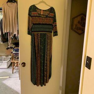 3/4 sleeve paisley maxi dress